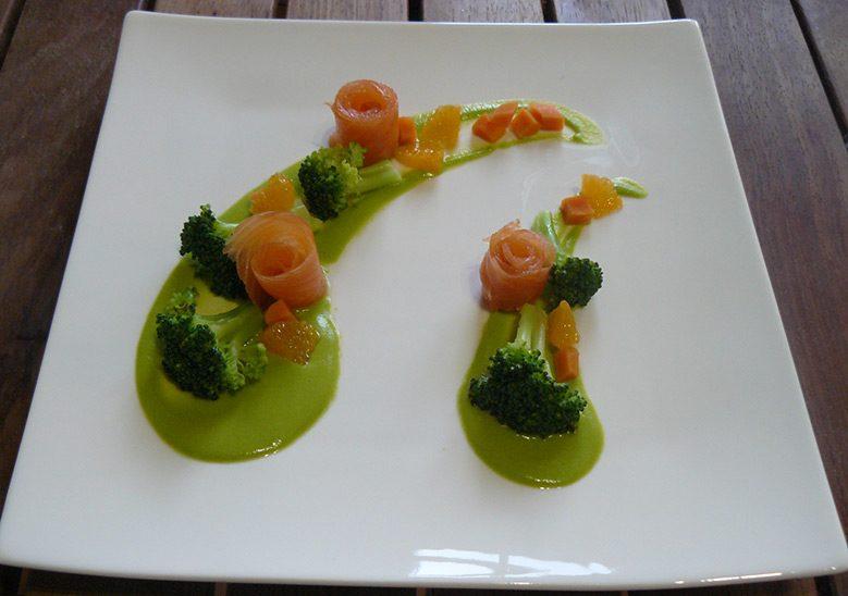 Brocolis-aux-agrumes-et-saumon-fumé